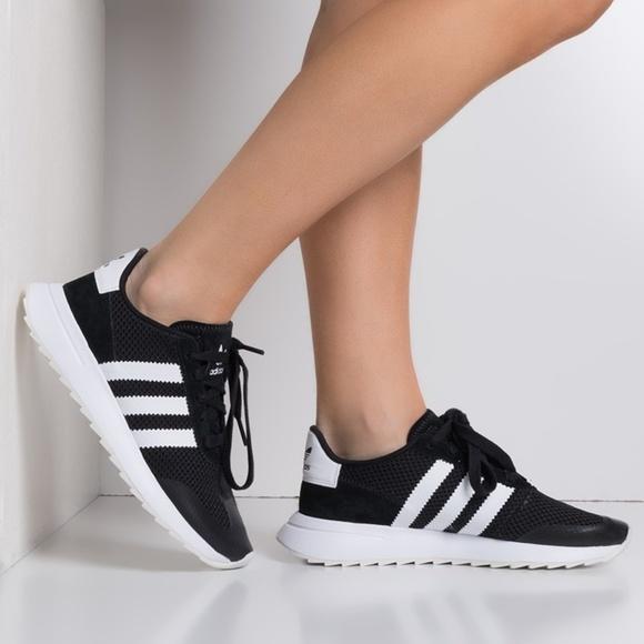 sale retailer 30436 61db1 NEW adidas Flashback Black  White Athletic Shoes